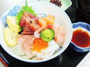 2月限定♪チョウザメ入り海鮮丼のご紹介