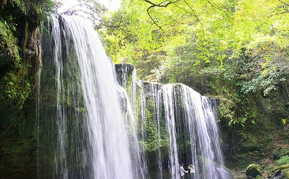 仁宇布の冷水・十六滝